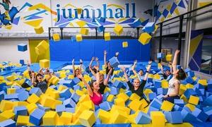 Jump Hall - Park trampolin : Od 16,99 zł: godzinne wejście do parku trampolin Jump Hall (do -40%)