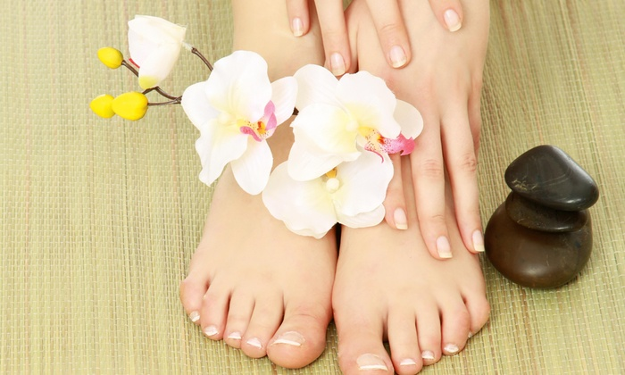 Beauty Connections - Beauty Connections: 30-Min. Reflexology Session with Neck, Shoulder & Scalp Massage from Vidalia at Hinkens Chiropractic ($45 Value)