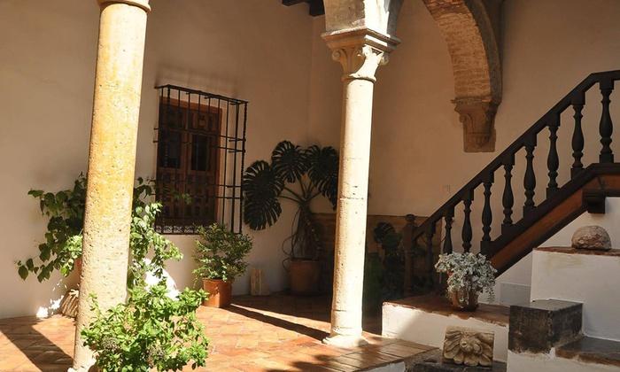Casa de las Cabezas - Casa de las Cabezas: Visita a la Casa de las Cabezas para 2, 4 u 8 personas desde 4,95 €