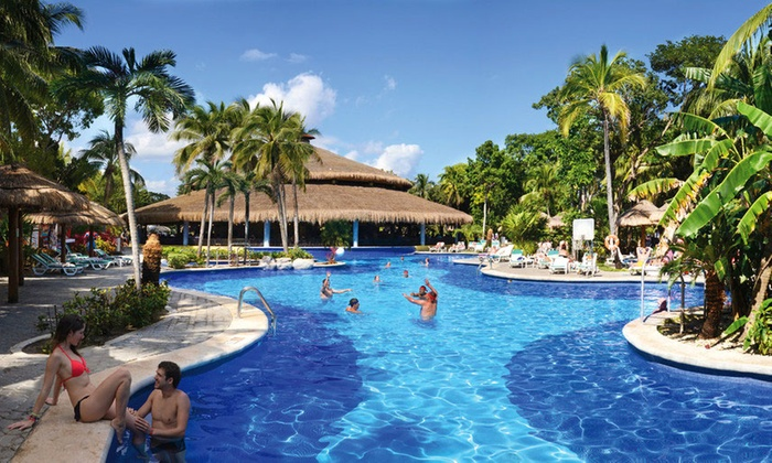 All-Inclusive Riu Tequila Trip w/Air from Vacation Express