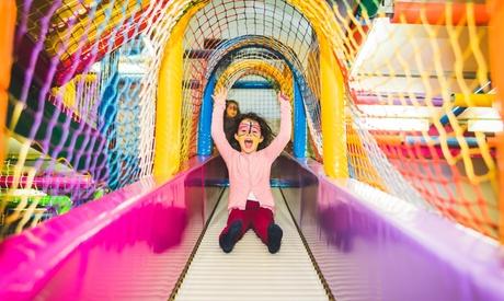 Entrada al parque de bolas para 1 o 2 niños con merienda opcional en El Miniclub (hasta 58% de descuento)