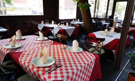 Menú de degustación indio para 2 o 4 con aperitivo, entrantes, principal, postre y bebida desde 19,95 € en Curry Station