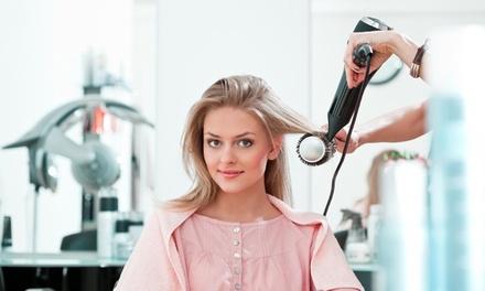 Shampoing, coupe et brushing avec couleur en option dès 19,90 € à l'institut Au Salon d'Angel