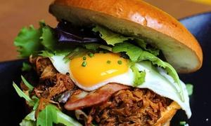 Dowolny burger z łódkami ziemniaczanymi i modrą kapustą od 24,99 zł w Porky (do -31%)