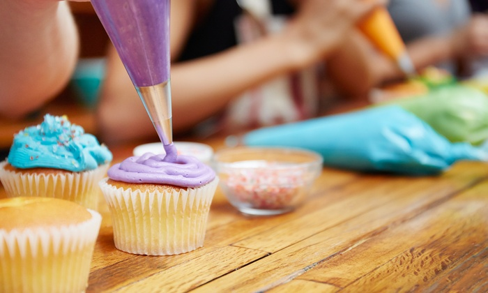 all about the cake miami byob or beginners cupcake decorating class for one - Cupcake Decorating
