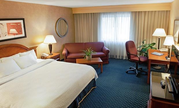 Radisson Hotel Detroit Farmington Hills Michigan Stay With Drink Credits