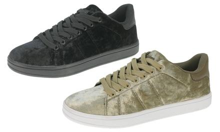 Beppi Samtsneaker für Damen, in Schwarz oder Beige