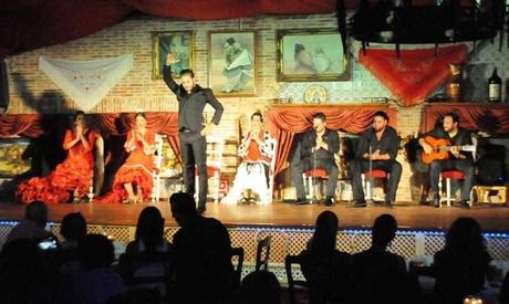 Copa y tapas o menú premium con espectáculo flamenco para 2 desde 39,95 € en La Estación de los Porches