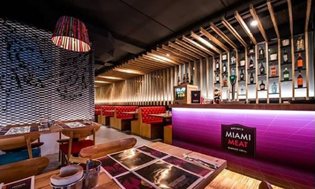 Menú con entrante, principal, postre y bebida para 2 o 4 personas desde 22,95 € en Miami Meat Burger Grill