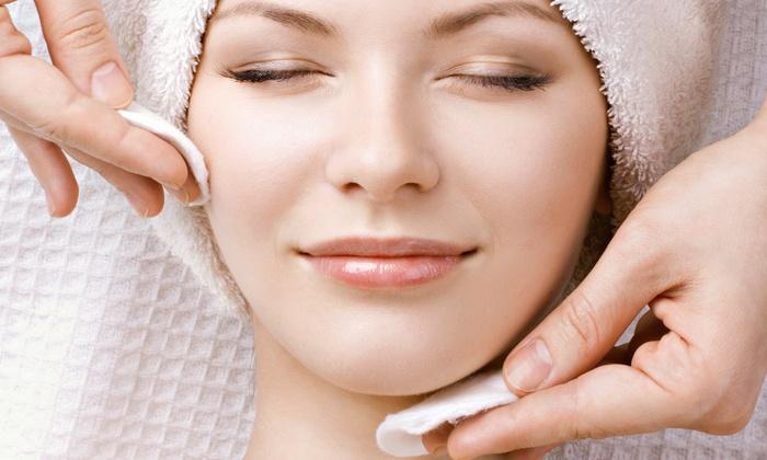 Gryskiewicz Twin Cities Cosmetic Surgery - Burnsville: One or Three Hydrafacials at Gryskiewicz Twin Cities Cosmetic Surgery (Up to 66% Off)