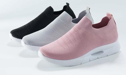 7111 Mesh Slip On Sneakers