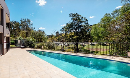 Brisbane, Toowong: Up to 5Night Apartment Stay for Two or Four People with Wine and Late CheckOut at Inn on the Park