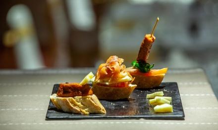 Menú con entrante, principal, postre y bebida para 2 personas en Restaurante Veintiocho (hasta 56% de descuento)