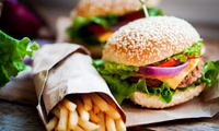 Burger-Menü mit Beilage und Nachspeise für Zwei oder Vier bei Nefeli im Phönix (bis zu 58% sparen*)