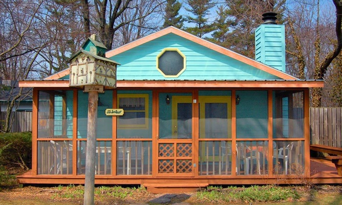 Pine Garth Inn - Union Pier: Two-Night Stay at Pine Garth Inn in Union Pier, MI