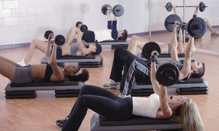 Trinity Fitness - Valencia: 10 or 20 Boot Camp Classes or 5 Personal Training Sessions at Trinity Fitness (Up to 71% Off)