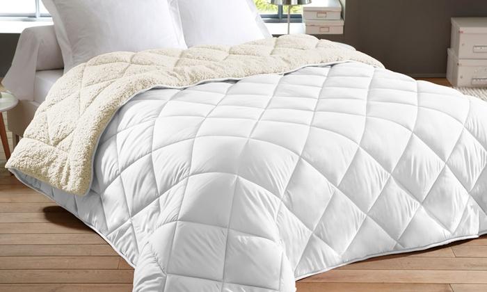 jusqu 39 70 couvre lit sherpa groupon. Black Bedroom Furniture Sets. Home Design Ideas