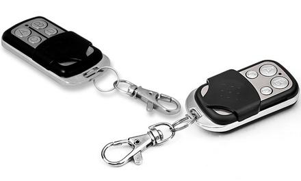 Hasta 4 mandos a distancia universales para puertas de garaje