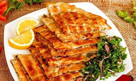 Menú libanés para 2 o 4 con degustación de entrantes, principales, bebidas y dulces desde 19,90 € en El Rincón Beirutí
