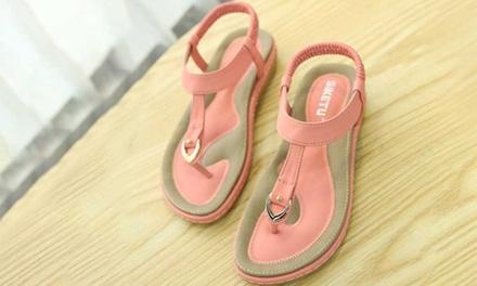 Sandales plates confortables à enfiler
