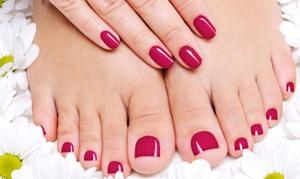 Salon Majraj: Stylizacja hybrydowa: manicure (29,99 zł) lub pedicure (39,99 zł) i więcej opcji w Salonie Majraj w Gliwicach