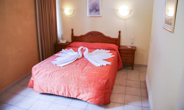 Hotel sucara groupon for Hotel demi pension