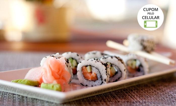 Sushi House – Vista Shopping: yakissoba + rolinho primavera (doce) para 2 ou 4 pessoas