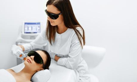1 o 2 tratamientos de luz led con rejuvenecimiento celular, oxigenación y acné desde 24,99 € en La Herboristería de Lina