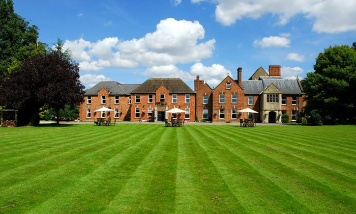 Hatherley Manor Hotel - Gloucester: Gloucester: 1 or 2 Nights for Two with Breakfast, Dinner and Cocktail at 4* Hatherley Manor Hotel
