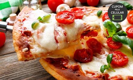 Pizza grande com opção de entrega ou consumo no local na Piccolo Punto – Itaim