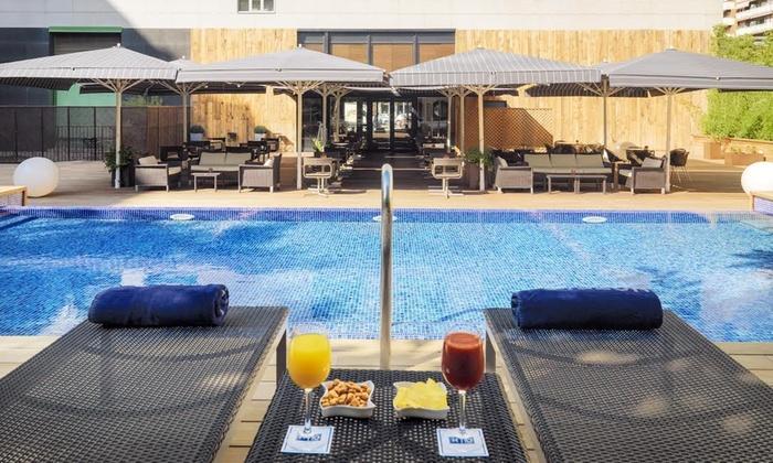 H10 Itaka  - Hotel H10 Ítaca: Copa o cóctel con snack para dos o cuatro personas desde 16,95 € en H10 Itaka