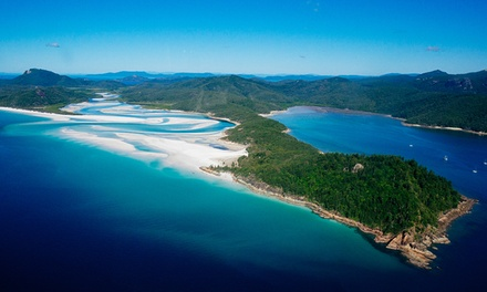 Whitsundays: Up to 7Night Stay for Four or Six People with Wine and Late CheckOut at Beach Court Holiday Villas