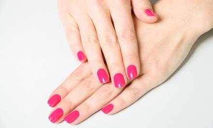 Manicure con ricostruzione unghie