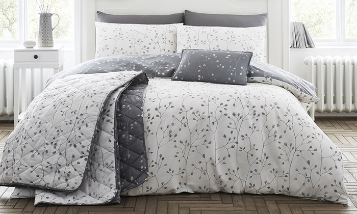 200TC Hip Bud Soft-Touch Duvet Set from £7