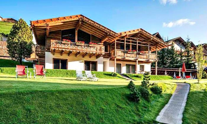 Awesome Azienda Soggiorno Ortisei Contemporary - Design Trends 2017 ...