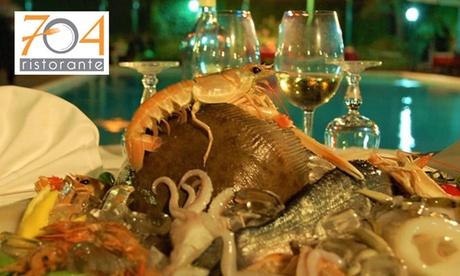 Menu di pesce gourmet da 6 portate con bottiglia di vino per 2 o 4 persone al 704 Ristorante (sconto 65%)