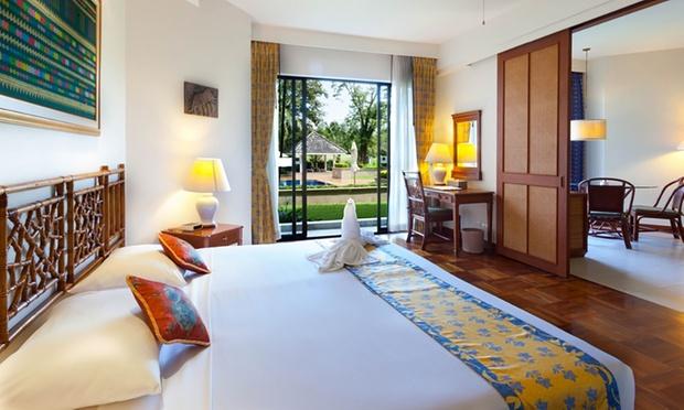 Phuket: 4* Lagoon Resort 1