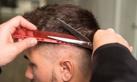 2 o 4 sesiones de peluquería masculina o tarifa plana de 6 meses desde 9,99 € en Universidad Provalliance