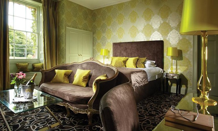 Wiltshire: 1 Night for Two with Breakfast, Dinner, Late Check-Out and Spa Access at 4* The Bishopstrow Hotel & Spa