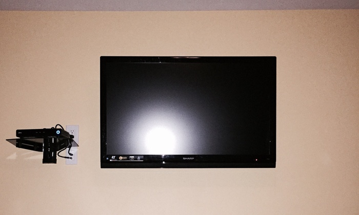 Ulster Installs Llc - Seattle: Flat-Screen TV Mounting from Ulster Installs (50% Off)