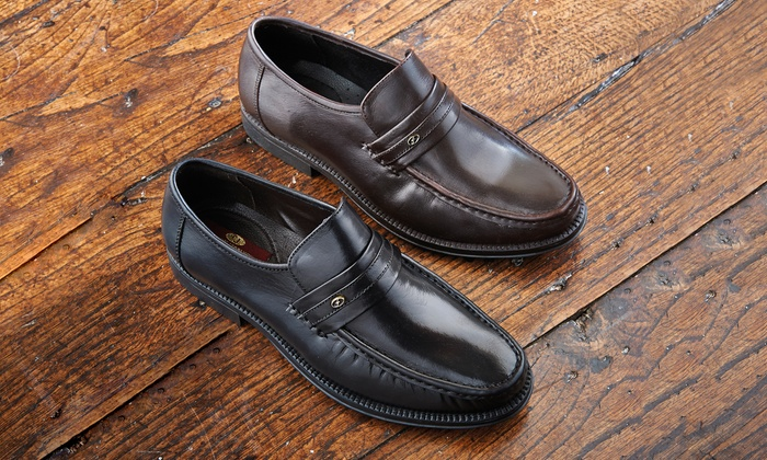 Groupon Goods Global GmbH: Men's Milano Slip-On Leather Shoes