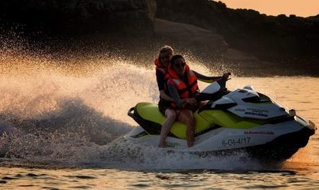 Excursión de hasta 2 horas en Motos de Agua Tenerífe para 1, 2, 3 o 4 personas desde 39,95 € con Motos de Agua Poniente Oferta en Groupon