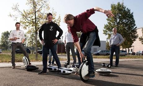 2 Std. Hoverboard, Solowheel od. E-Scooter Tour und Training für 1-8 Pers. bei EwheelMotion