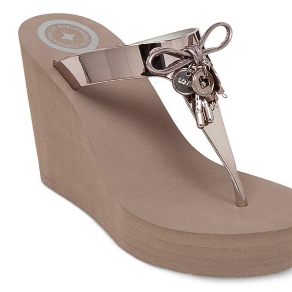 BCBG Vince Camuto Wedge Sandals (Size 7