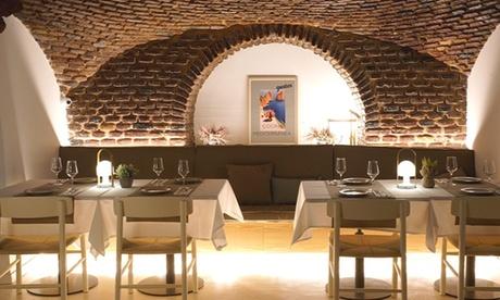 Menú mediterráneo para 2 o 4 con degustación de entrantes, paella o fideuá, postre y bebida en Gustos Plaza Mayor