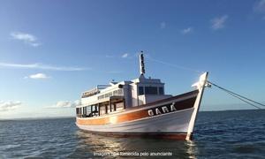 As Ilhas Turismo: As Ilhas Turismo – Glória: passeio de escuna Tour do Pôr do Sol com MPB ou Tour dos 3 Fortes com almoço