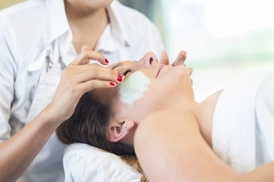 Spa 125: Up to 62% Off 60-minute Spa Facial Treatment at Spa 125
