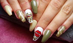 Divinas Nail Studio: 2 sesiones de manicura y/o pedicura o 1 sesión de manicura con uñas de gel desde 12,95 € en Divinas Nail Studio