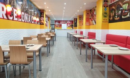 Menú de comida rápida para 2 o 4 con entrante, principal y bebida en Burger World Bcn (hasta 62% de descuento)