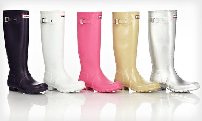 Hunter Women's Boots: $119 for Hunter Women's Wellington Boots ($135 List Price). Multiple Options Available. Free Shipping and Free Returns.